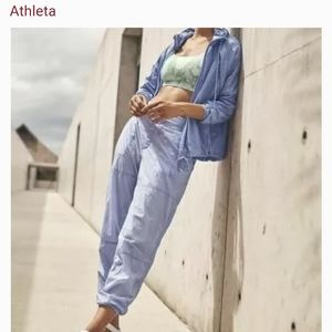 ATHLETA Expedition joggers periwinkle size 8P